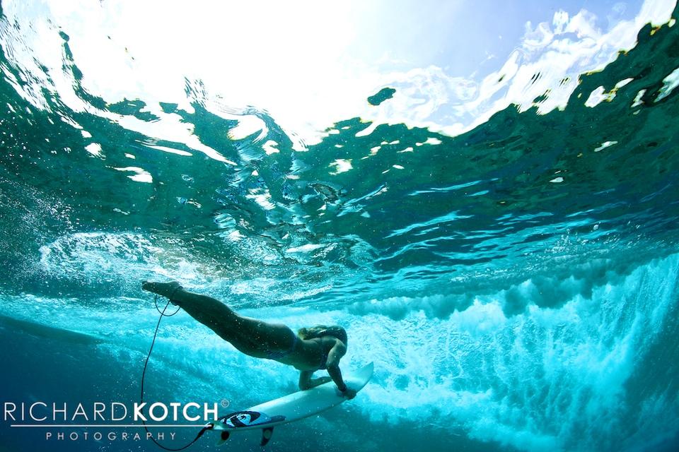 Amy-duckdive_RichardKotch_Maldives2012_-116