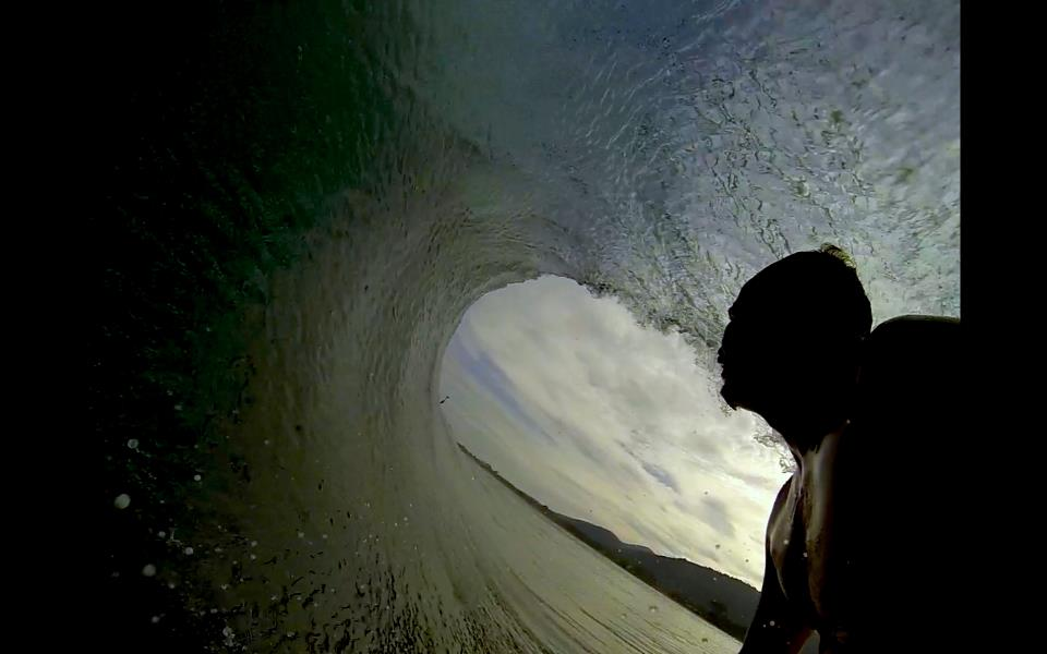 Hugues-Oyarzabal-go-pro-barrel-