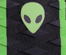 Diamond groove tail pad