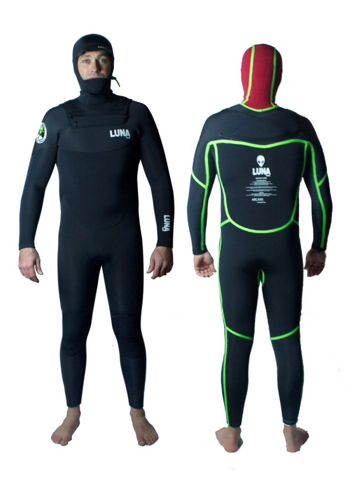 4mm hooded wetsuit