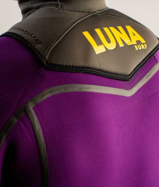 4mm hooded violet hood detail